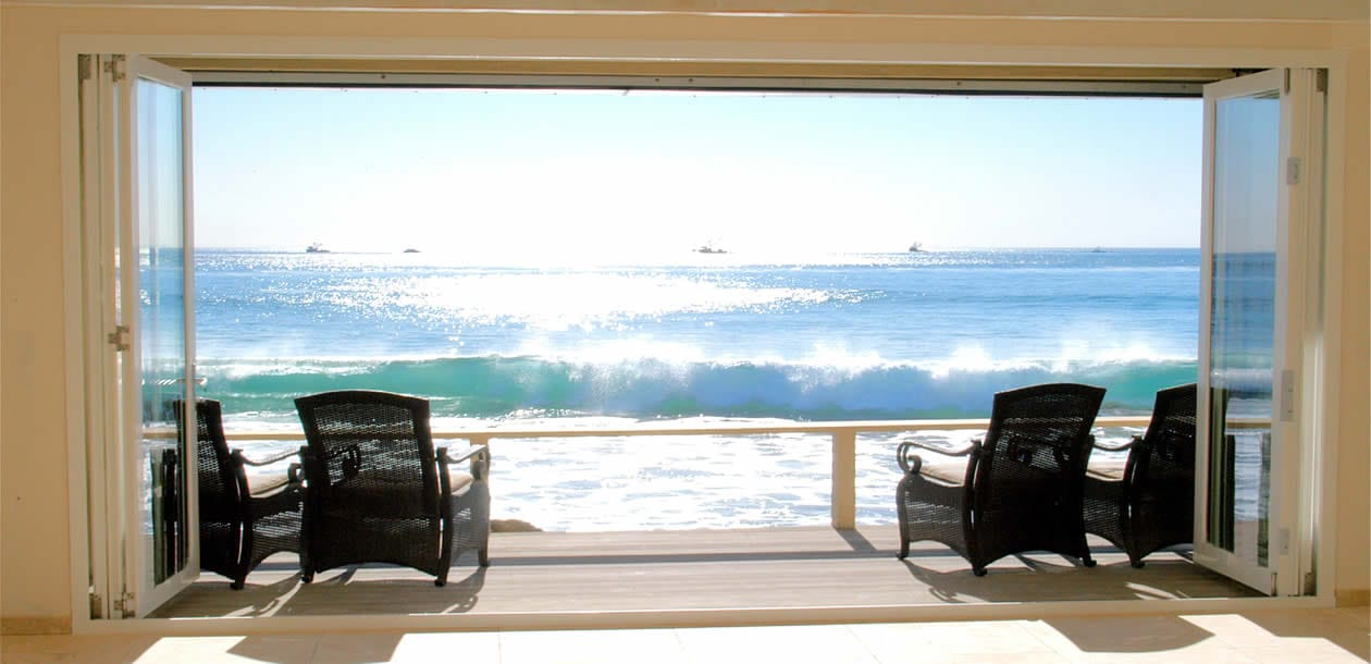 Malibu_Beach_House_Bifold_Door_2